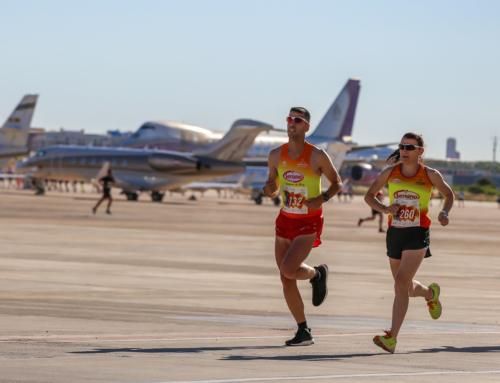 Cerca de 300 personas 'vuelan' contra el cáncer en la novedosa carrera solidaria del Aeropuerto de València